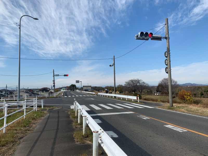 読売犬山ハーフマラソンのコースの写真です。折り返し地点(小渕)まで約500mです。