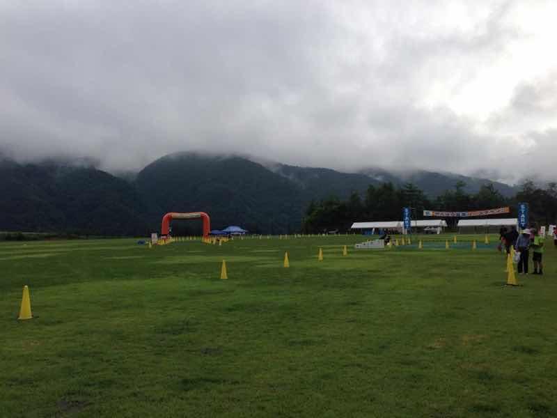 長野県木曽郡木祖村で開催される、やぶはら高原はくさいマラソン大会の会場であるこだまの森の写真です。